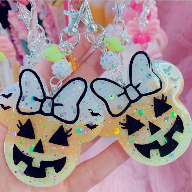 Minnie Candy Corn Charm